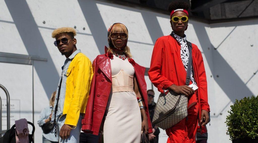Благотворительная распродажа от Louis Vuitton, Versace и многих других