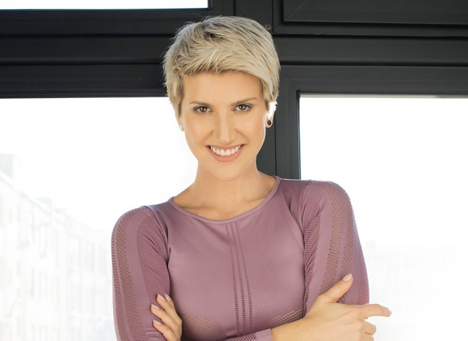 Анита Луценко поделилась 3 эффективными упражнениями для спины