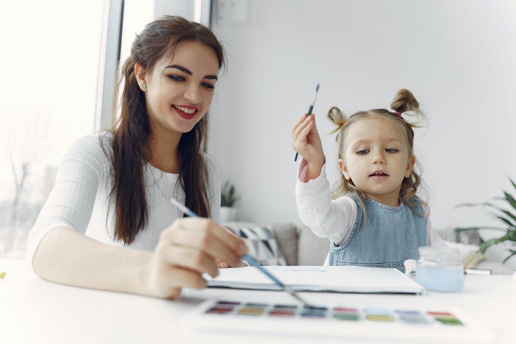 Как развить творческое мышление у ребенка: советы доктора Комаровского