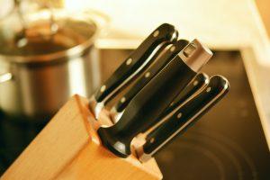 Как почистить подставку для ножей, чтобы на кухне не появилась плесень