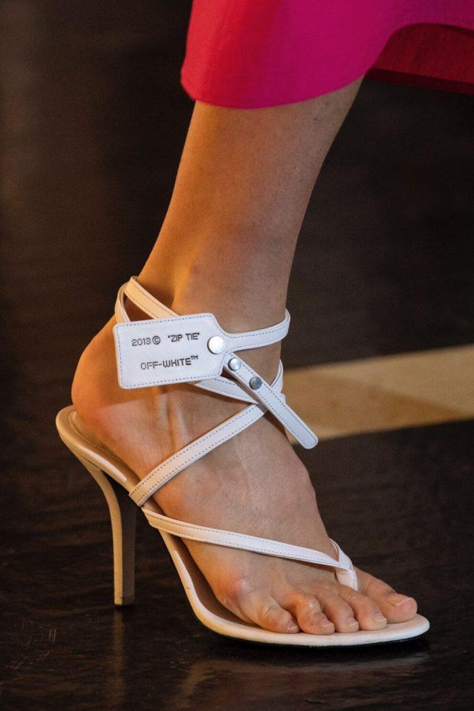 Вьетнамки на каблуке – оригинальный тренд лета 2020