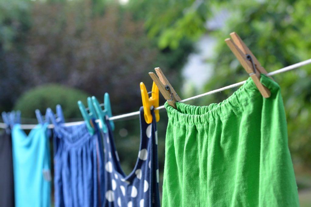 Лайфхаки о том, как избавиться от запаха дыма на одежде