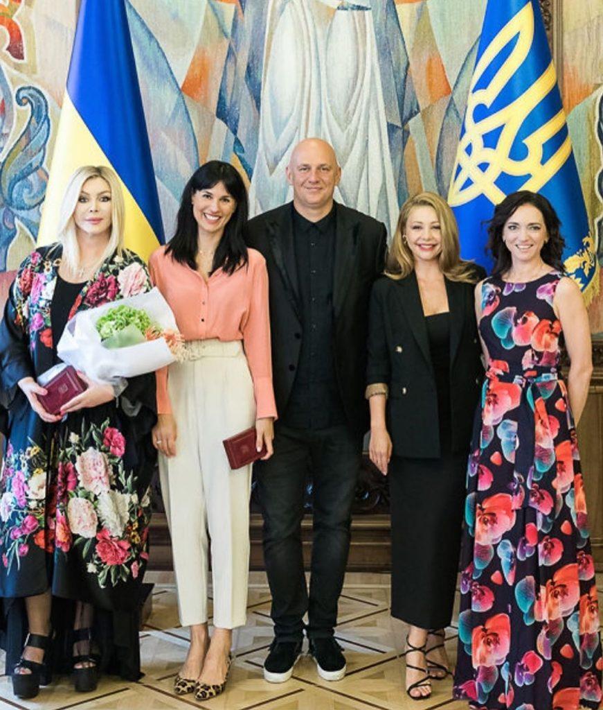 Тина Кароль, Потап, Маша Ефросинина и другие украинские звезды поделились фотографиями с церемонии награждения государственных наград и почетных званий