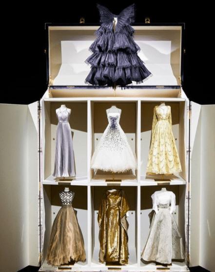 Кукольный домик: кампейн от Dior с миниатюрными копиями новых нарядов