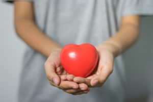 Симптомы, имея которые женщины на 70% чаще страдают от болезней сердца