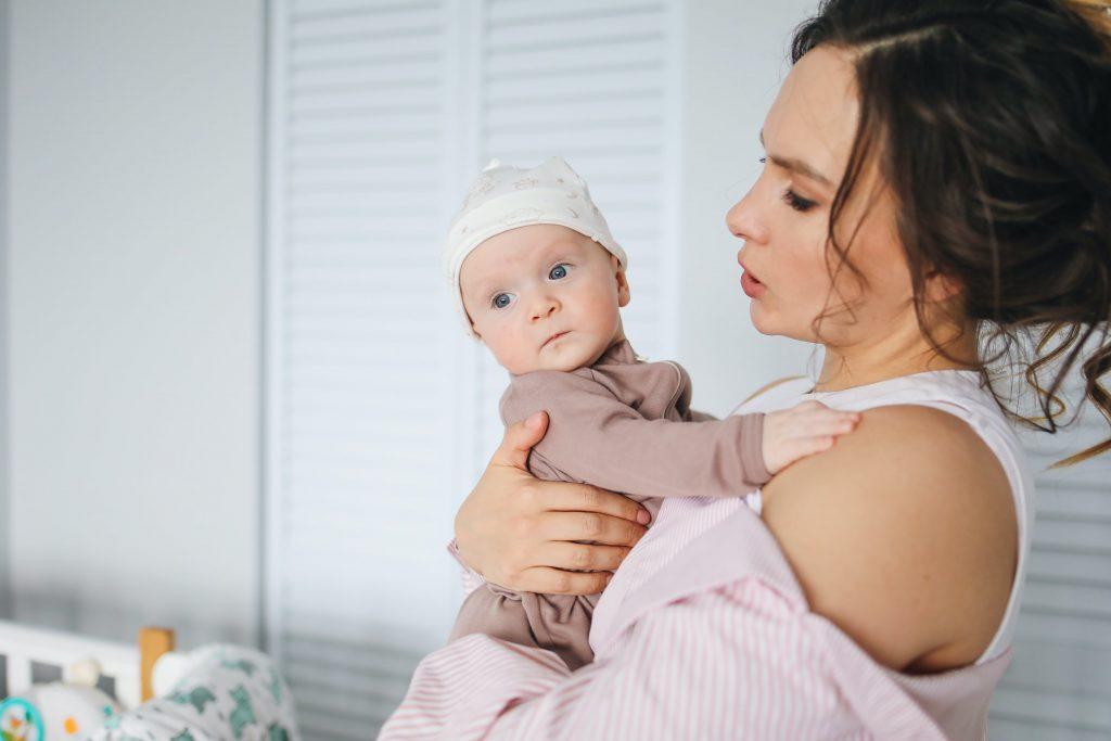 Как предотвратить сухость кожи у ребенка: рассказывает доктор Комаровский