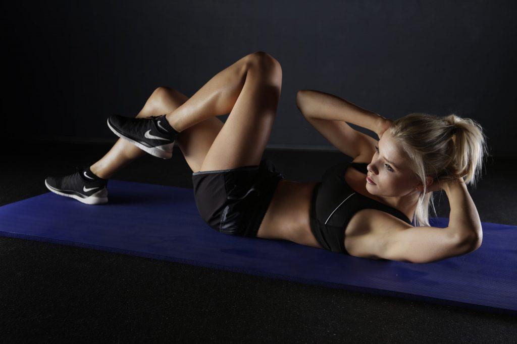 Упражнения, которые избавят от жировых складок на боках талии