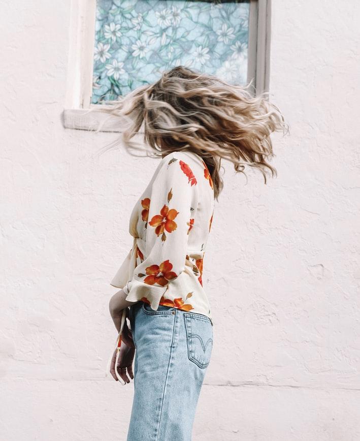 Модные сочетания: как носить блузки этим летом?