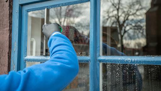 Как самому сделать нетоксичное средство для мытья окон и стекла