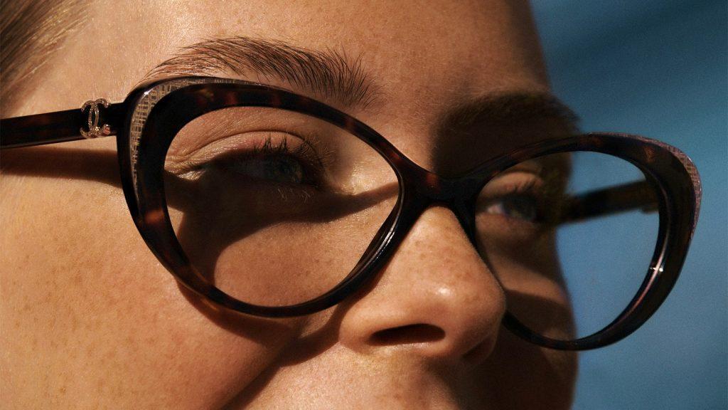 Максимум женственности: новая линейка очков от Chanel
