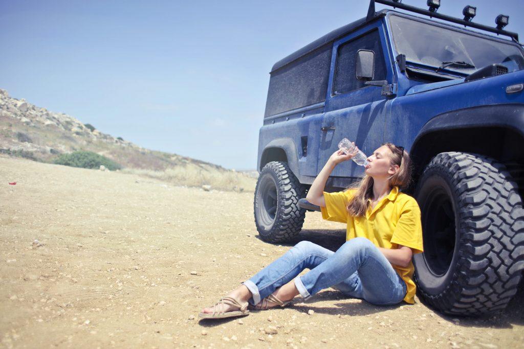 Безопасно ли пить воду из бутылки: опасности, о которых вы не знали