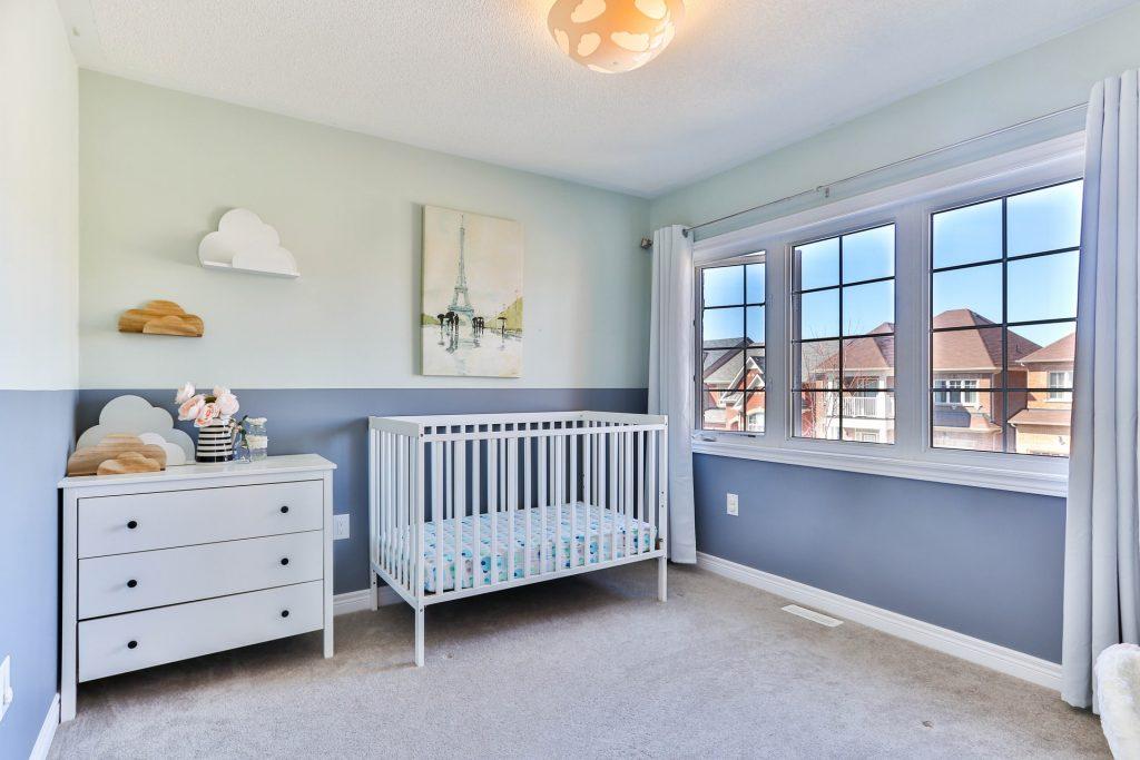 Здоровый сон: 6 лучших цветовых решений для стен детской комнаты