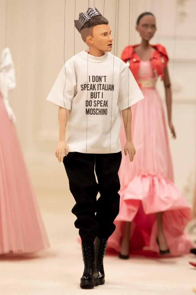 Оригинально: Moschino провели вместо показа кукольное представление