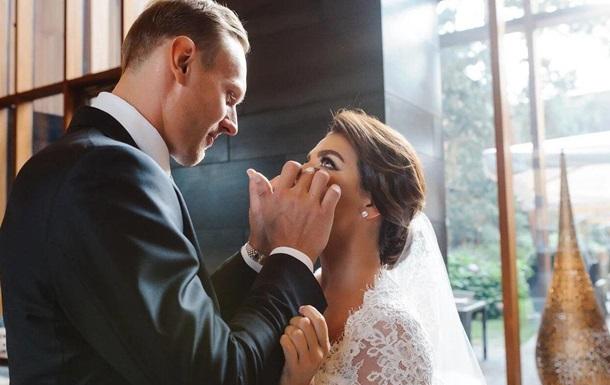 Поклонники раскритиковали свадебную фотосессию Анны Седоковой