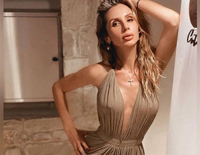 Светлана Лобода в ультракоротком платье похвасталась длинными ногами