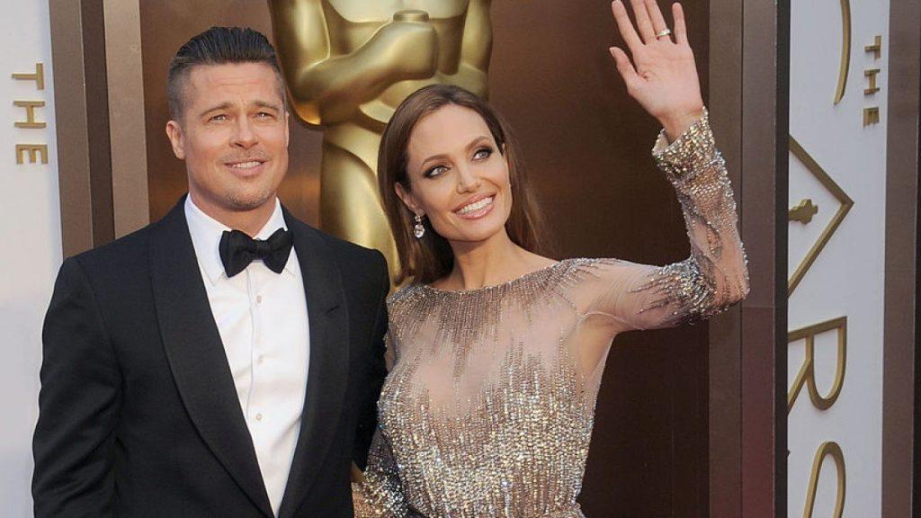 СМИ: Джоли и Питт уже потратили более 2 млн долларов на развод