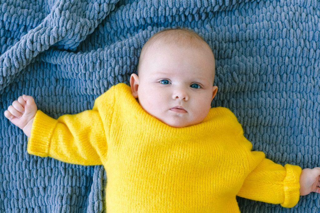 Может ли у детей появиться аллергия на одежду и как избежать сыпи: мнение доктора Комаровского