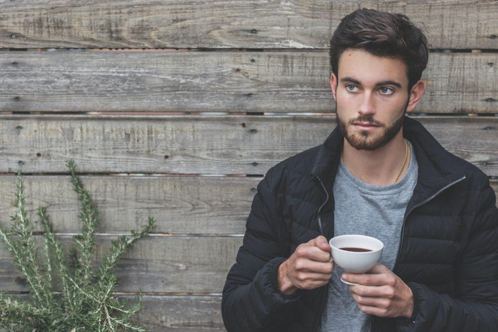 5 причин, почему мужчина может неожиданно потерять к партнёрше интерес