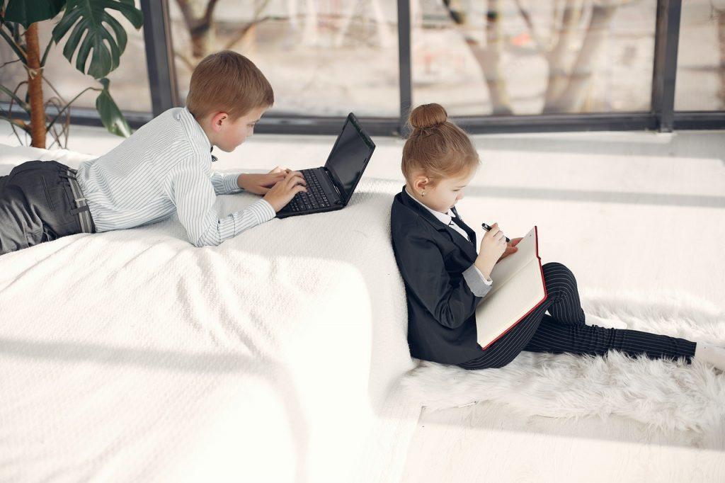 Что делать родителям школьников, которые не могут привыкнуть к новому режиму сна