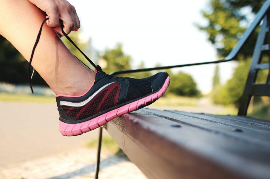 Тренировка всего тела, которую можно выполнять с помощью скамейки