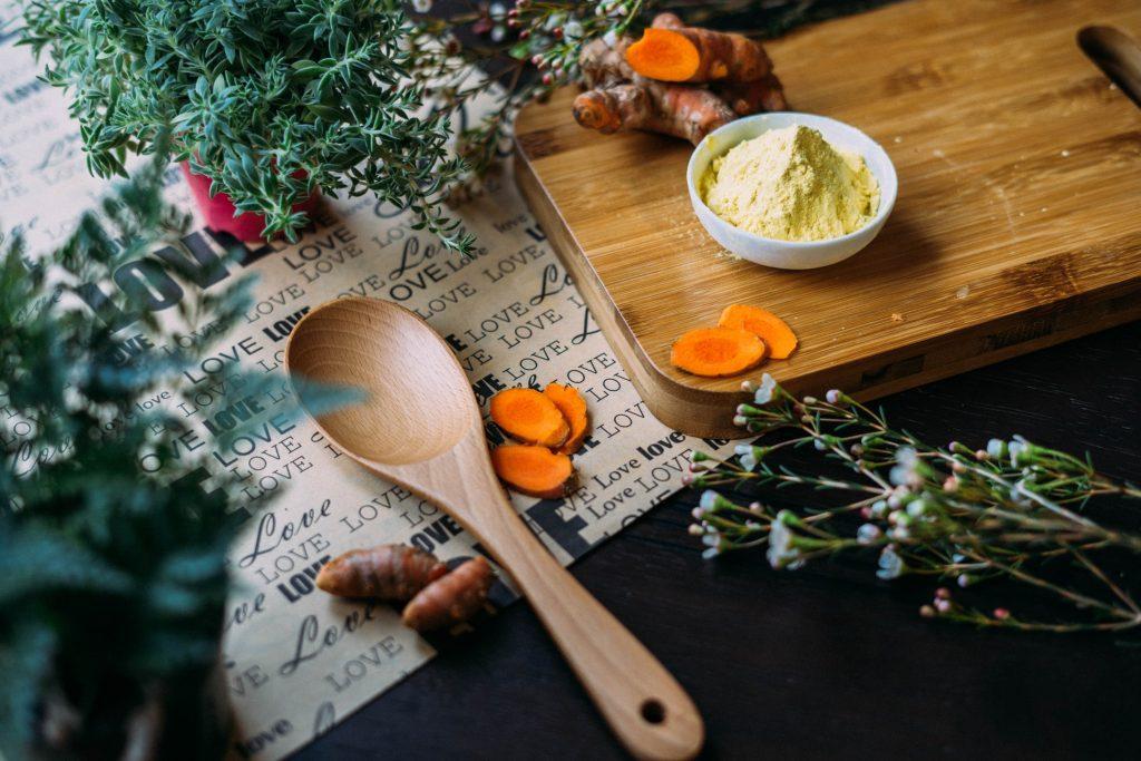 Травы, которые помогут уменьшить уровень кортизола (гормона стресса и старения)