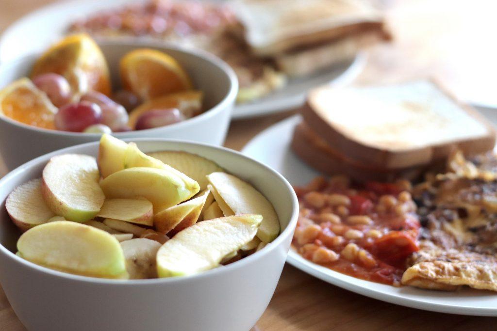 6 секретов завтрака для плоского живота, которыми поделился диетолог