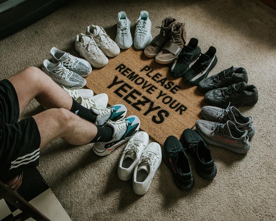 Топ 3 модели кроссовок, которые будут в моде этой осенью