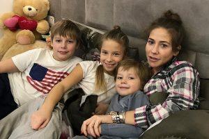 Юлия Барановская провела выходные с детьми в Мурманске