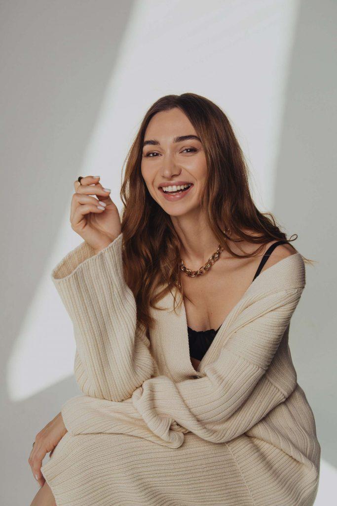 Fox lingerie запустили спецпроект о подробностях маммопластики и любви к своему телу