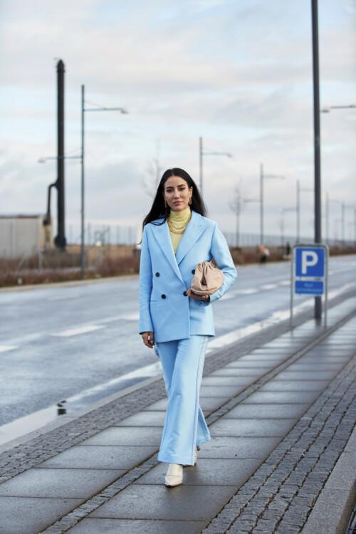 Как носить водолазку осенью 2020: 3 стильные идеи на каждый день