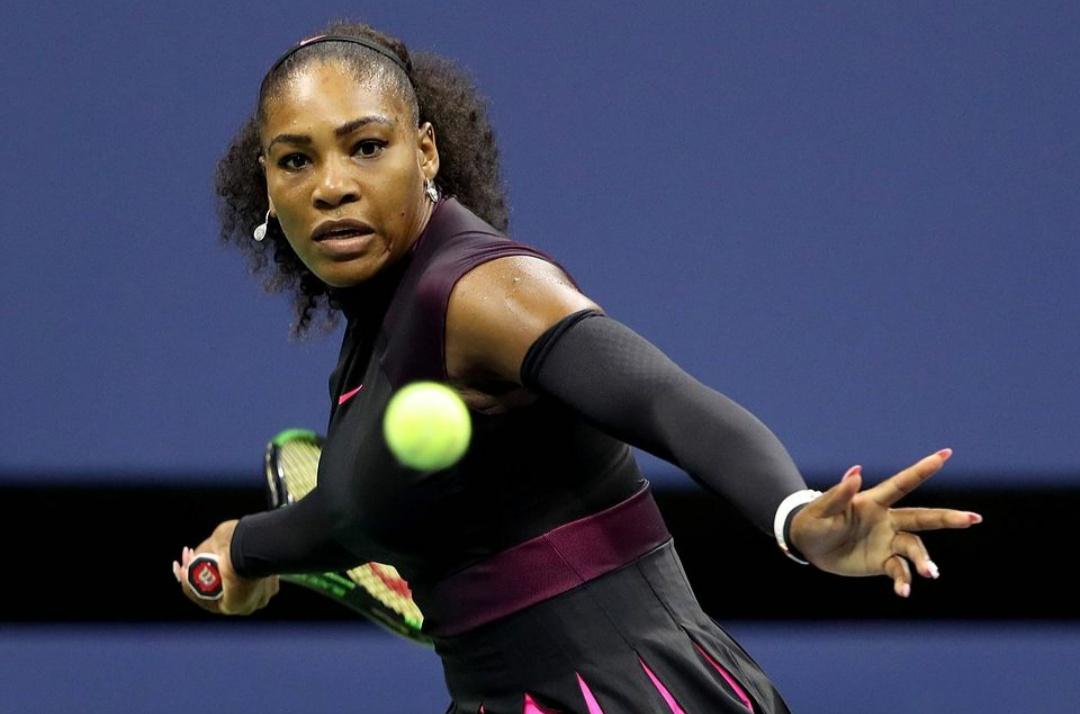 По стопам мамы: дочь Серены Уильямс учится играть в теннис