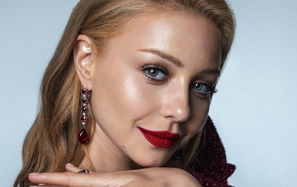 Женственно и элегантно: Тина Кароль очаровала поклонников своим новым образом на шоу «Танцы со звездами 2020»
