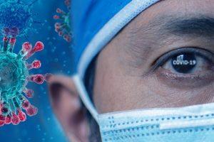Почему врачи стали называть COVID-19 эндемическим (и что они имеют в виду)