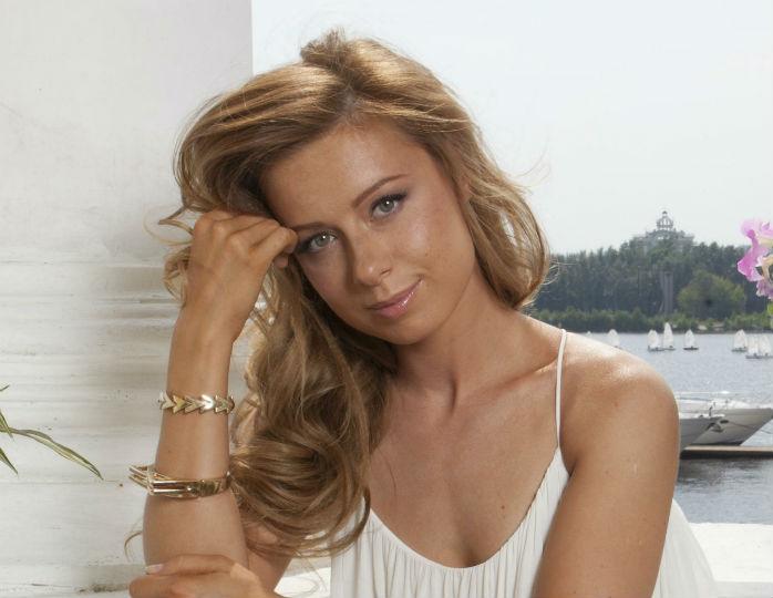 Юлия Савичева уже поставила дома ёлку
