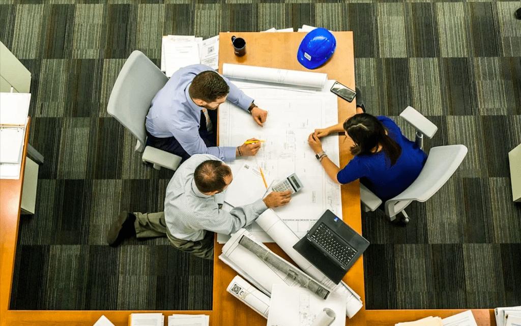 3 причины, почему работать в офисе лучше, чем на фрилансе