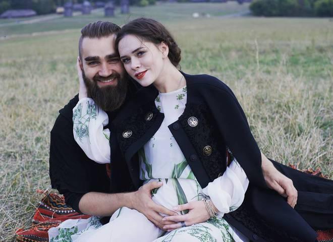 Фронтвумен группы The Hardkiss Юлия Санина и Валерий Бебко выпустили романтический клип о своей любви