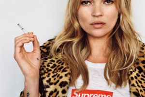 Самые редкие модели: SUPREME продадут на аукционе 253 архивных футболки