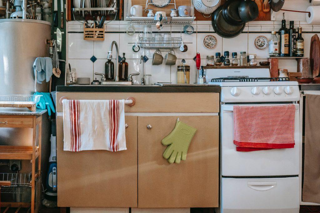 Истинное назначение выдвижного ящика под духовкой, которое вас удивит