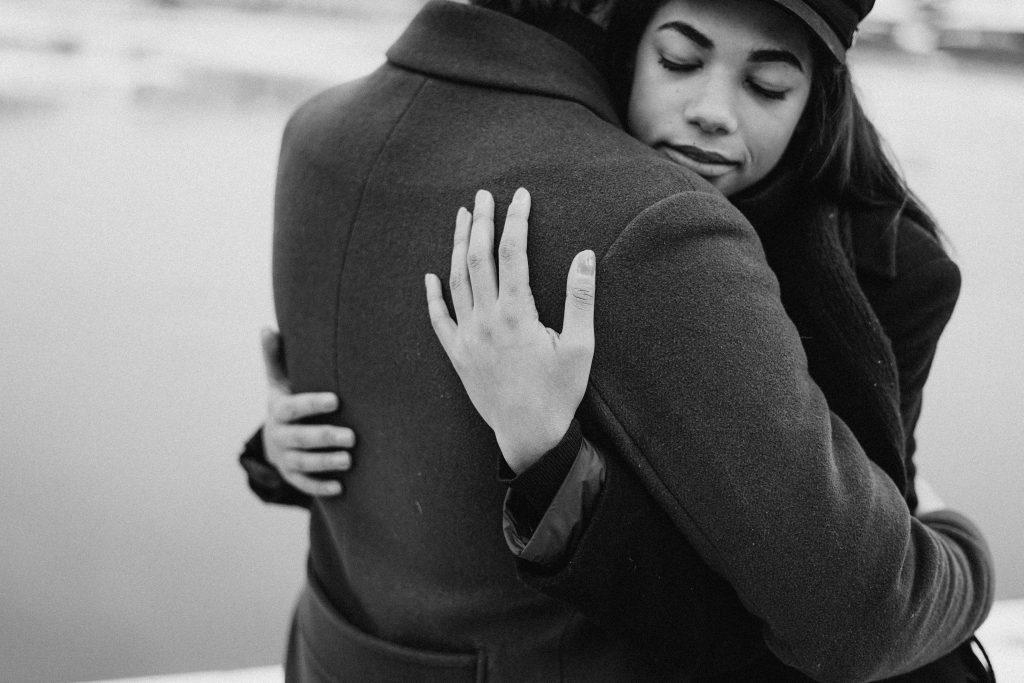 Почему романтические отношения так трудны для чрезмерно мыслящих людей
