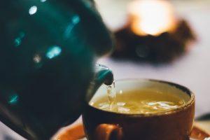 Правда или ложь: пить зеленый чай перед сном – хорошая идея?
