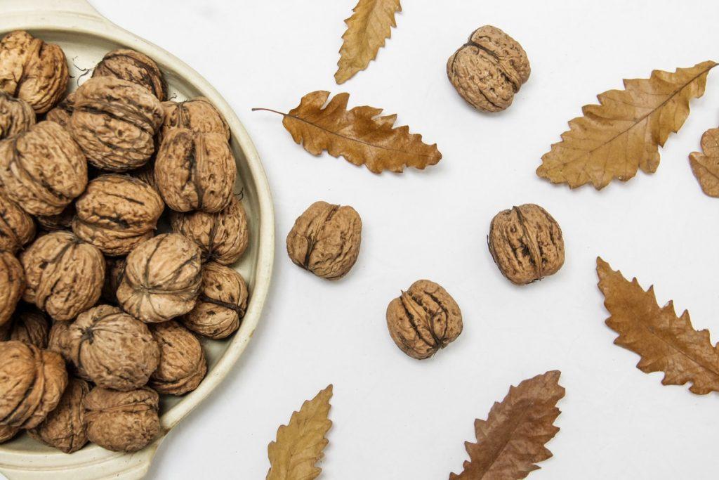 Как есть грецкие орехи, чтобы они укрепили сердце, но не вызвали боль в животе