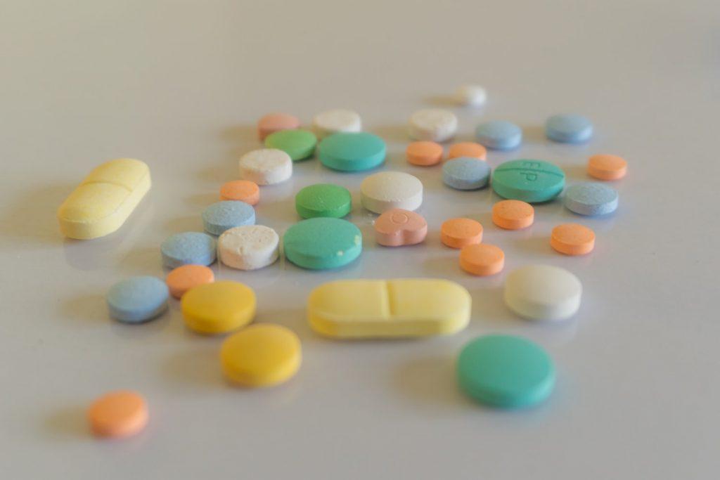 Популярное лекарство, которое нельзя принимать, не проконсультировавшись с врачом