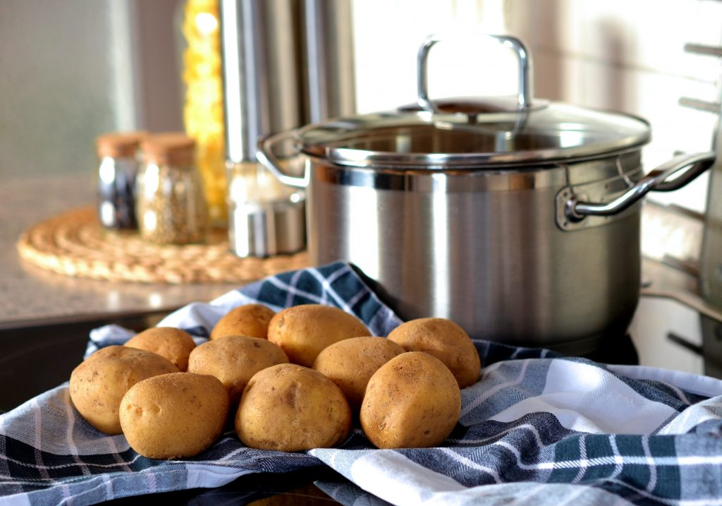 Как правильно и как долго варить картофель, чтобы получилось идеальное пюре