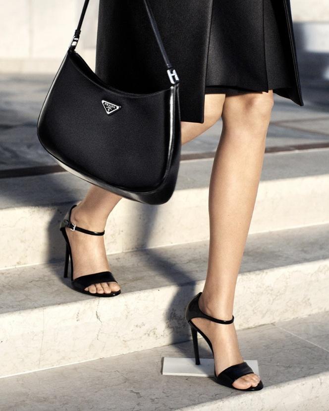 Prada создали новую сумку: смотрите что получилось