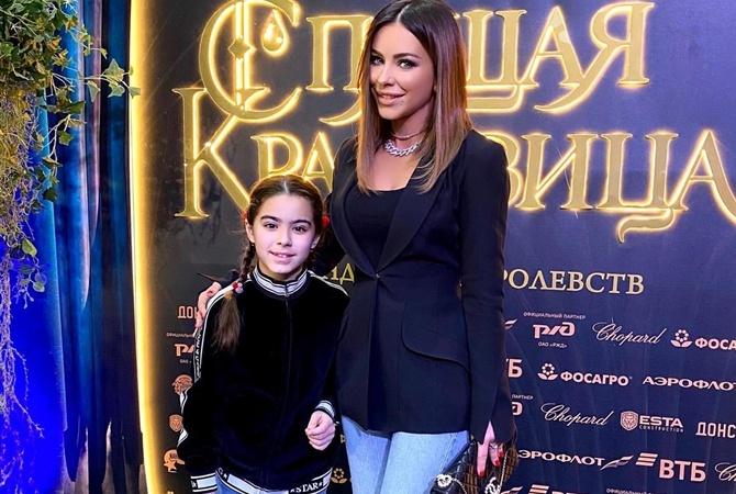 В кругу звезд: Ани Лорак вместе с дочерью Софией побывала на грандиозном дне рождения дочери Филиппа Киркорова