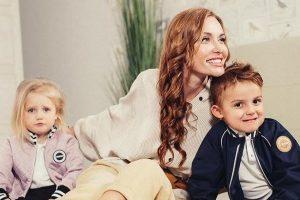 Семейный отряд: Слава Каминская вместе с детьми украсила обложку Viva!