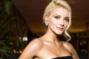 Праздник приближается: Миша Романова приняла участи в новогодней фотосессии