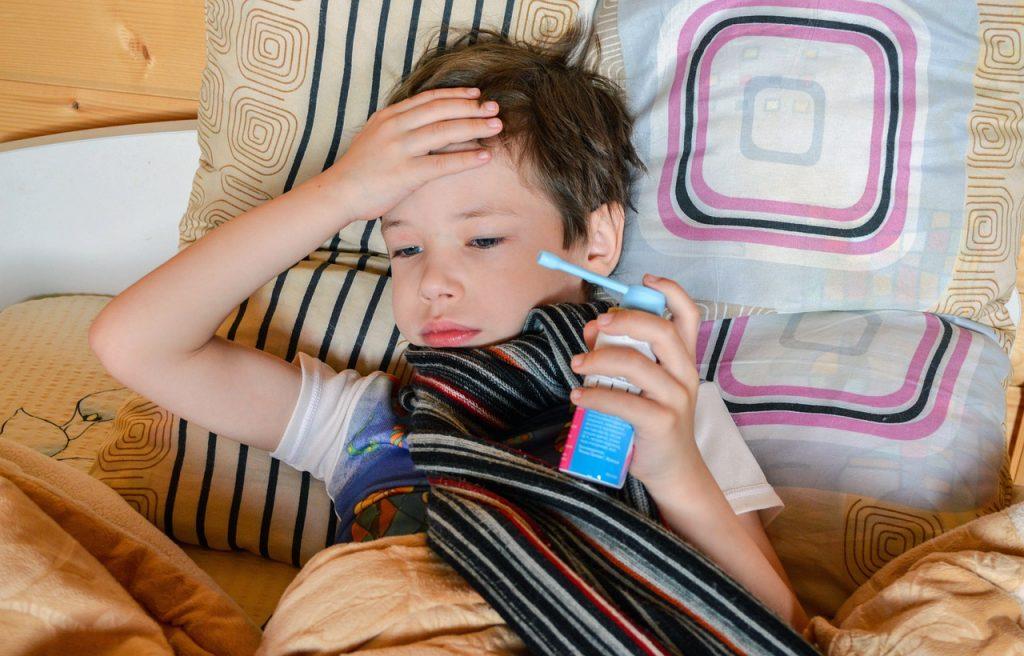 3 самых частых симптома коронавируса у детей, согласно исследованиям