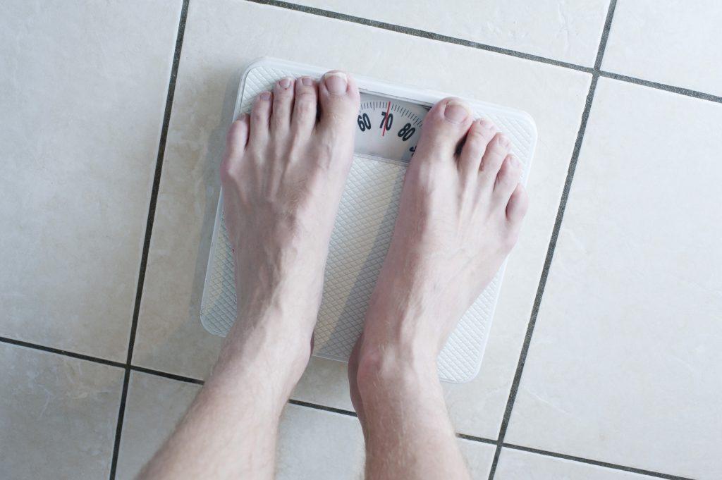 Очевидные и неочевидные причины, почему зимой появляется лишний вес (и как с ним бороться)