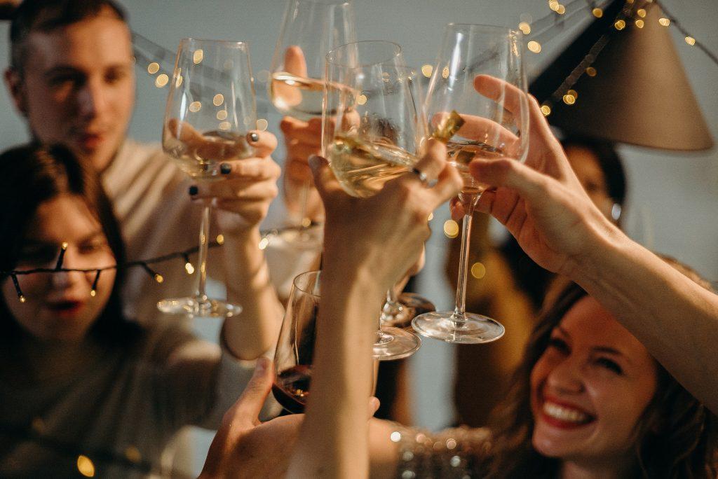 Как пить и есть в сезон праздников, чтобы защитить здоровье вашей печени